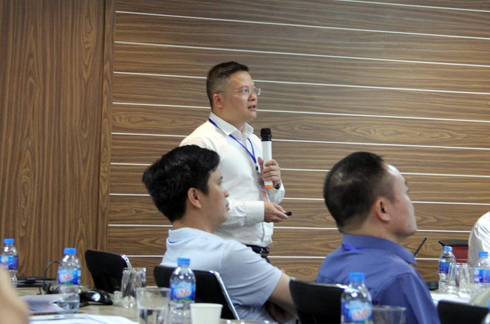 Phó Tổng GĐ Lê Quang Hanh trình bày về Ứng dụng công nghệ Geocrete (Đức) trong thi công đường bộ
